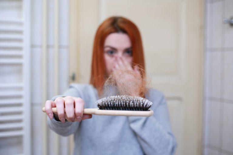 La perdita dei capelli nelle donne - IO CE L'HO FATTA